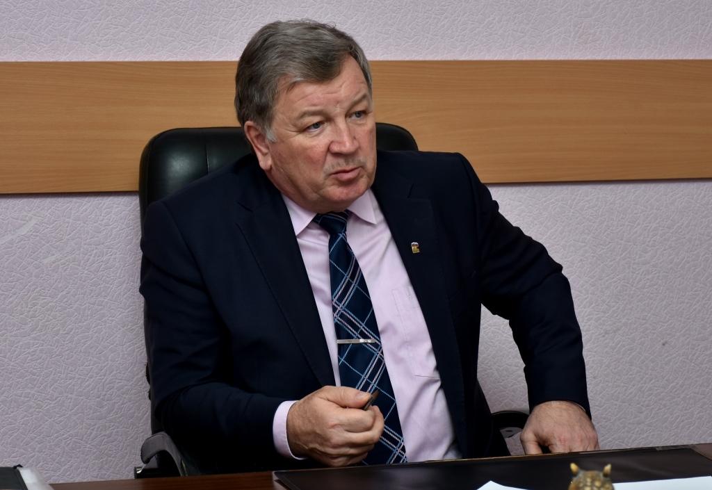 Вопросы горячего водоснабжения и итоги отопительного сезона обсуждались на заседании депутатского комитета